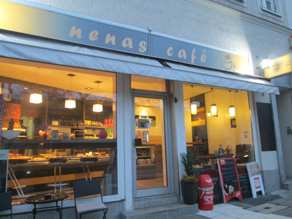 Nenas_Cafe_BB